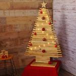 Deko-Weihnachtsbaum HWC-H76, Christbaum mit Stern Weihnachtsdekoration, Shabby-Look Tannenholz 130x82x30cm