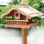 Vogelhaus 'Birdy', Strohdach